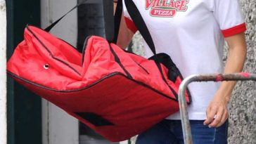 Anna Faris Pizza Delivery Filming Overboard Remake © Atlantic Images