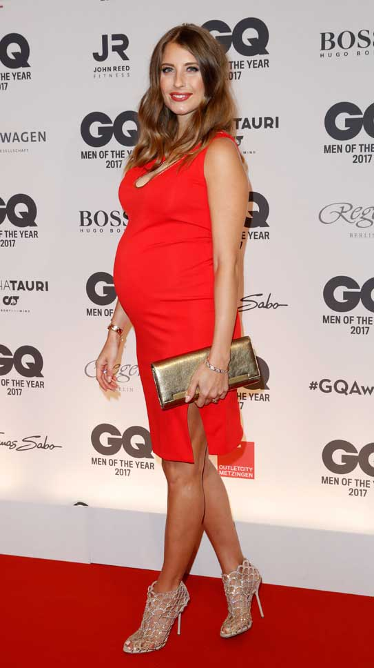 Cathy Hummels Schwanger Pregnant Arnold Schwarzenegger Legend of the Century Award Berlin Germany GQ Man of the Year Event