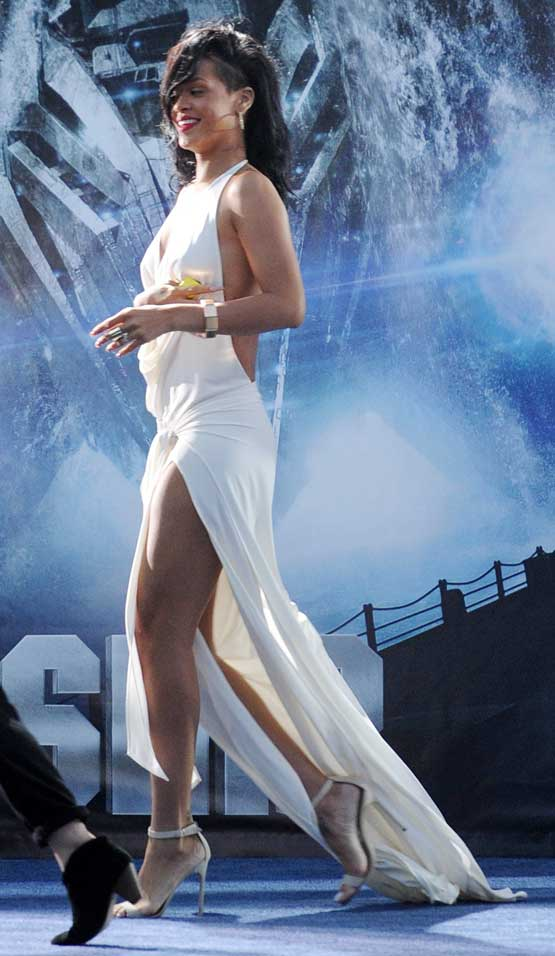Rihanna Prom Dress Self Designed Backless Ivory Dress With Halter Plunging V- Shape Neckline Legs Braless Cleavage Tattoo